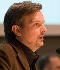Romano Benini autore di Quasi italiani