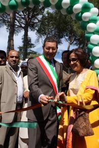 Marino e L'Ambasciatrice del Pakistan Mrs. Tehmina Janua