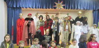 Natale alla scuola ucraina: il presepe vivente tra guerra e pace