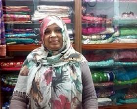 I sari, abiti tradizionali asiatici, sono indossati anche in occasione della festa della donna. Sultana, bengalese, ci racconta come la sua comunità mantiene le tradizioni anche a Roma.