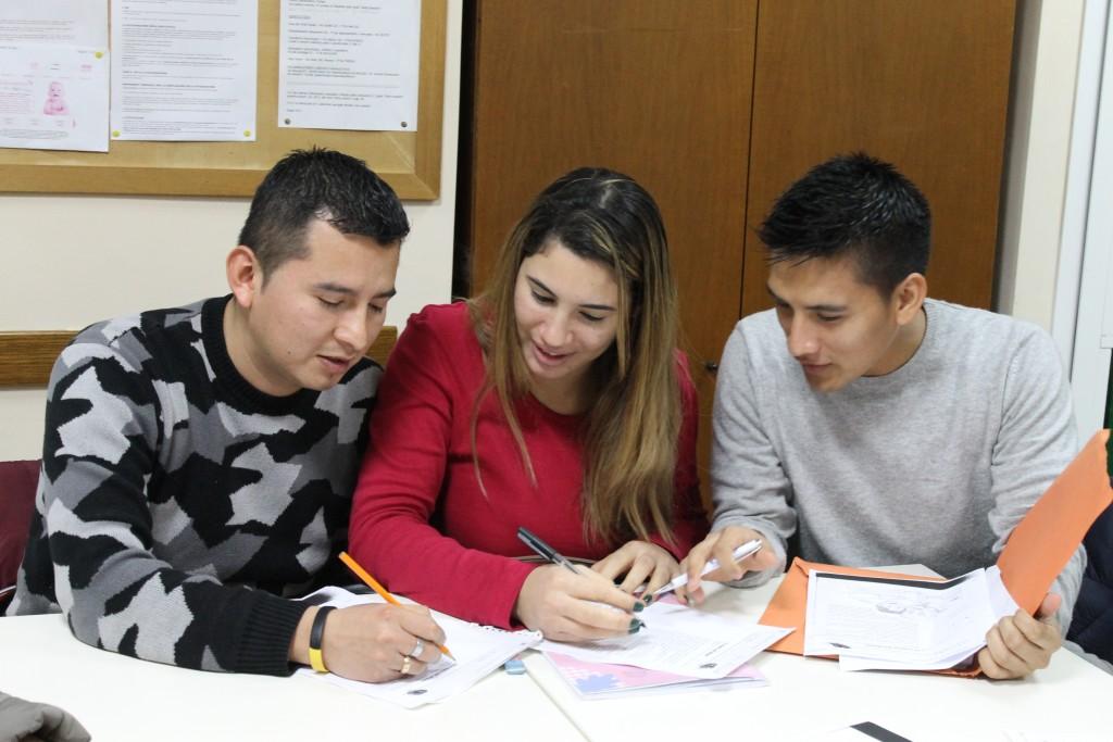 tre studenti di italiano del livello A2