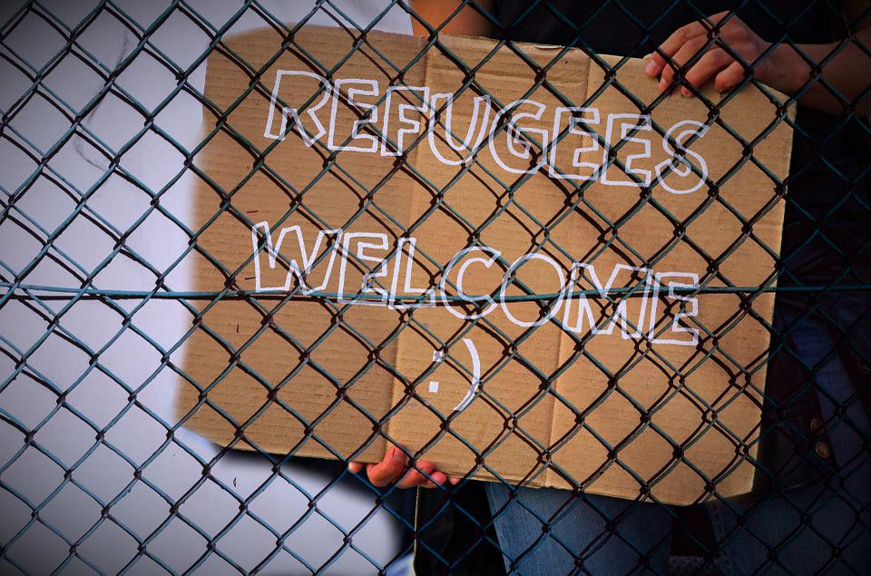 cartello sull'accoglienza per rifugiati