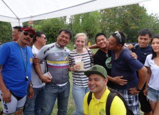 Festa-delle-Filippine-gruppo-ciclisti
