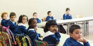 Minori stranieri pronti a tornare a scuola. A roma le attività scolastiche riprenderanno il prossimo 12 settembre.