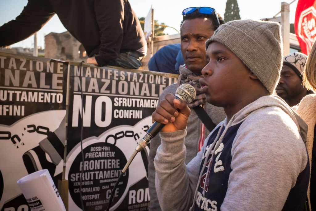 Manifestazione per i diritti degli immigrati promossa dall'associazione Campagne in Lotta.