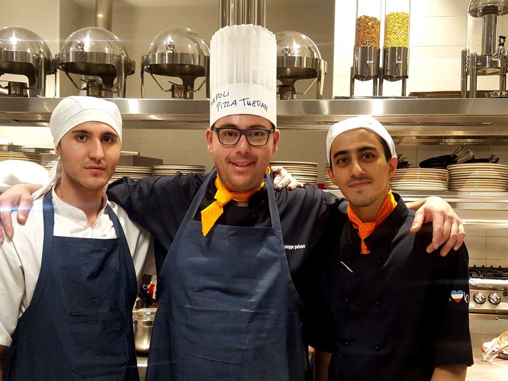 Giuseppe Peluso con i pizzazioli iraniani