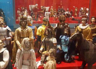 Le marionette del regista e compositore curdo Behrooz Gharibpour a Tehran