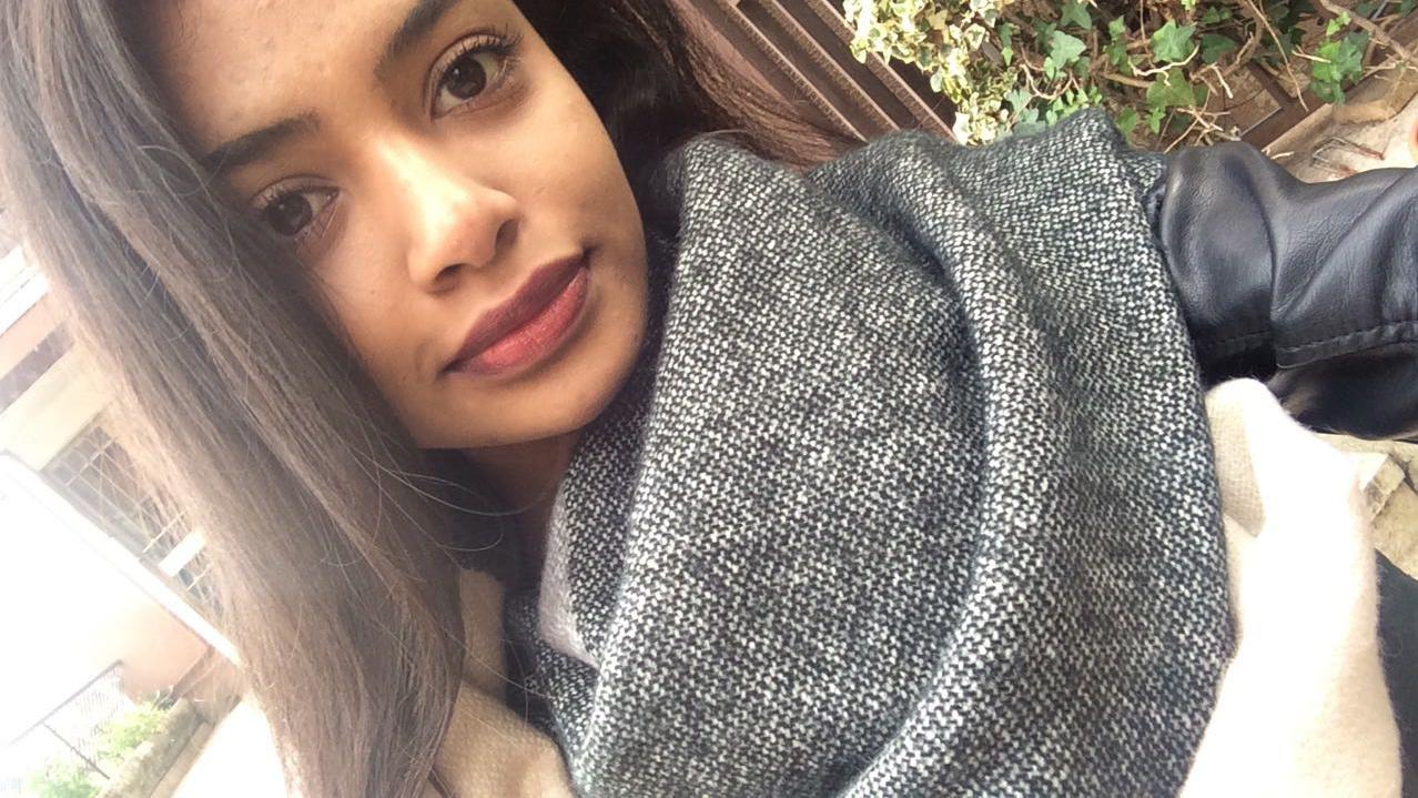 "15be115c4101 Anjaliha  una srilankese nel quartiere Africano di Roma. """