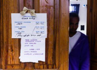 Croce Rossa accoglie migranti al Tiburtino III