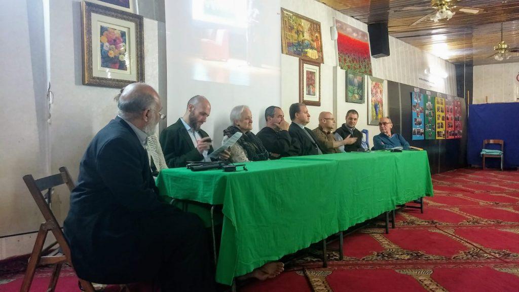 L'Imam con gli ospiti dell'open day alla Moschea di Centocelle