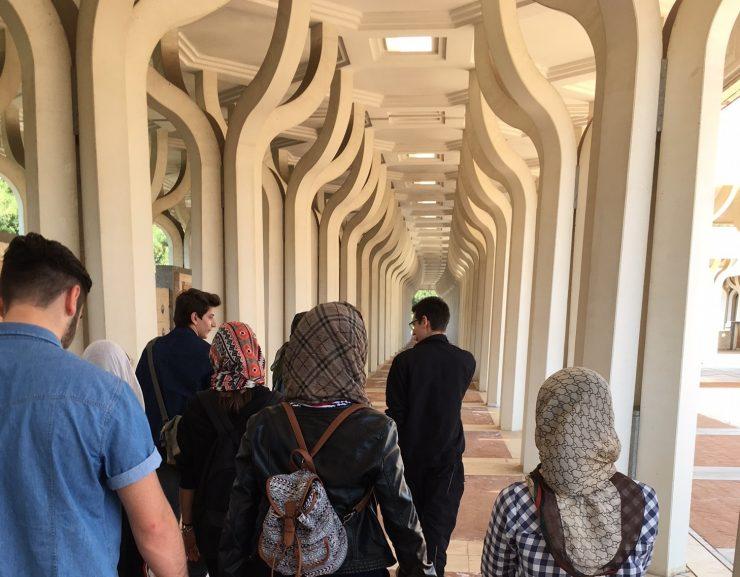 I ragazzi di Infomigranti all'uscita sul campo alla Grande Moschea