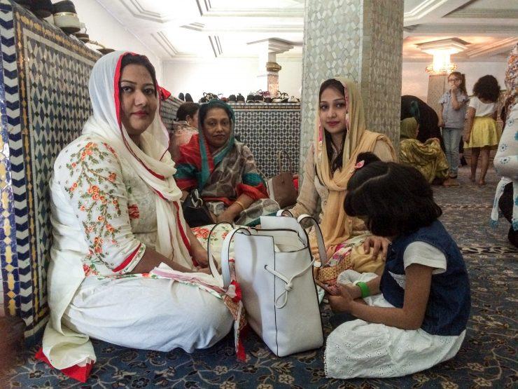 Le donne durante la festa dell'Eid Al-Fitr alla Grande Moschea