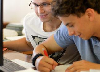 CEDIS coordina e gestisce la rete di Centri d'esame CELI denominata CELI Lazio, alla quale afferiscono, ad oggi, più di 40 scuole di italiano per Stranieri (fonte: Università per stranieri di Perugia)