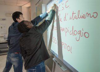Corso di italiano per stranieri (fonte; pagina Facebook Rete Scuolemigranti)