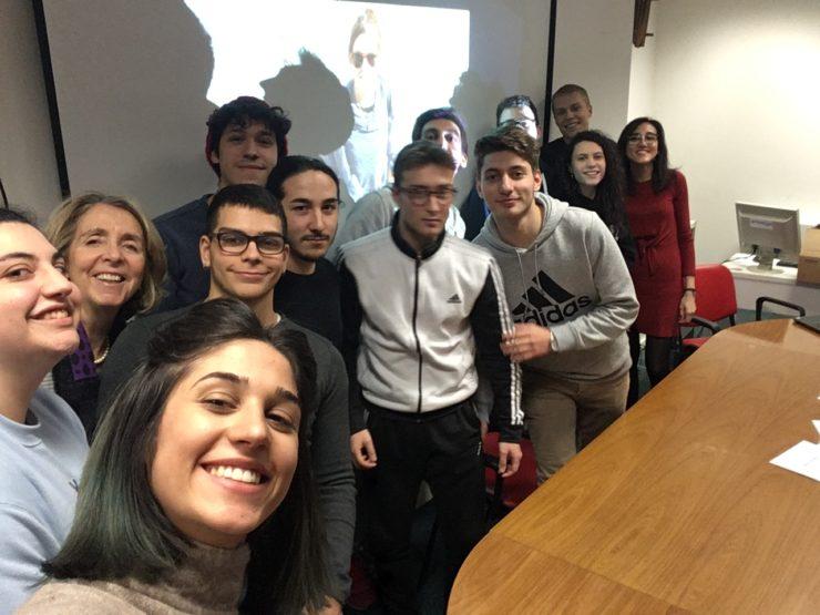 Ultima lezione quinto Laboratorio di giornalismo sociale Infomigranti scuola