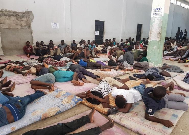 Emergenza - Migranti a rischio contagio nei centri di detenzione in Libia