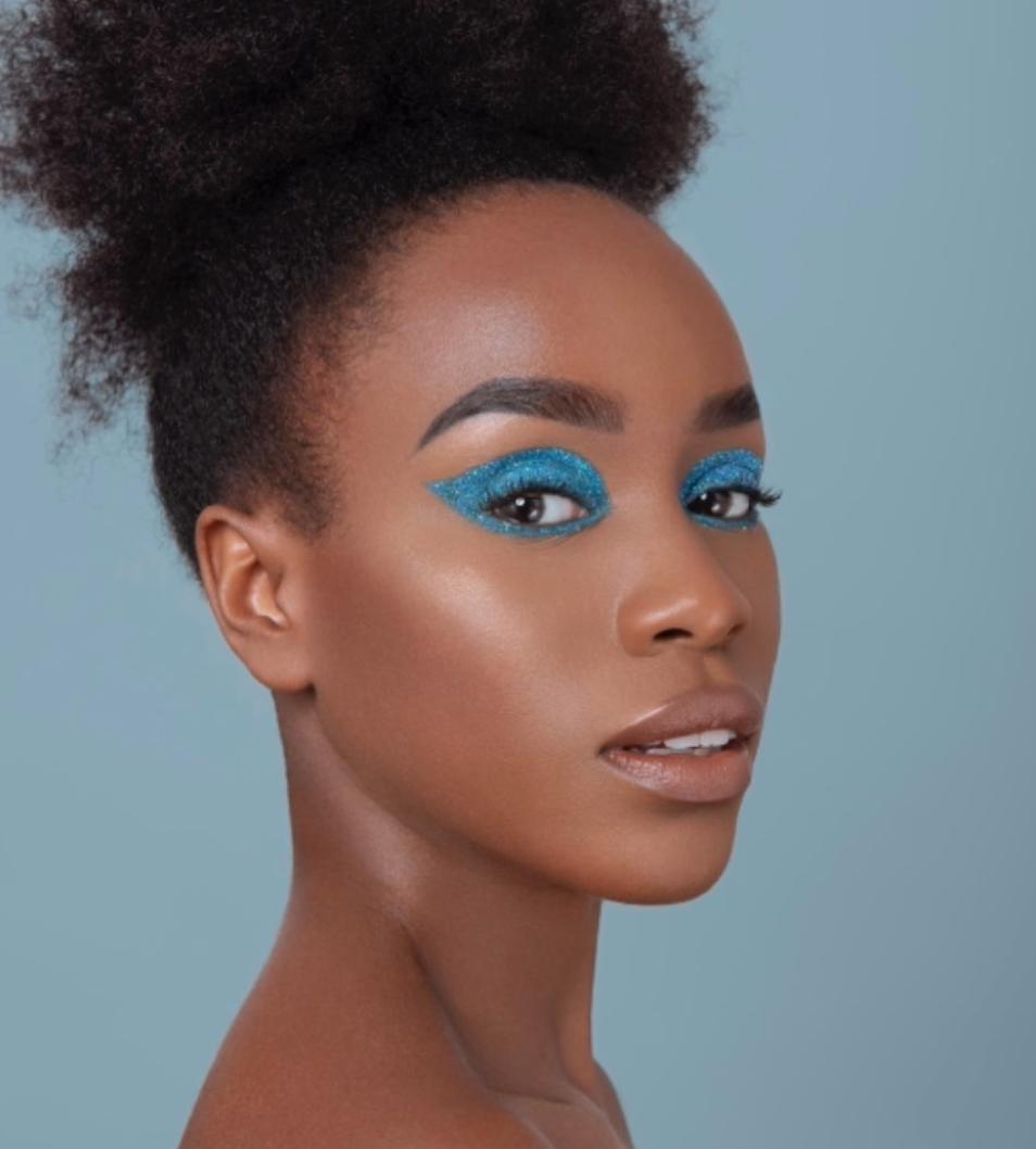 Abbia Maswi-make up artist