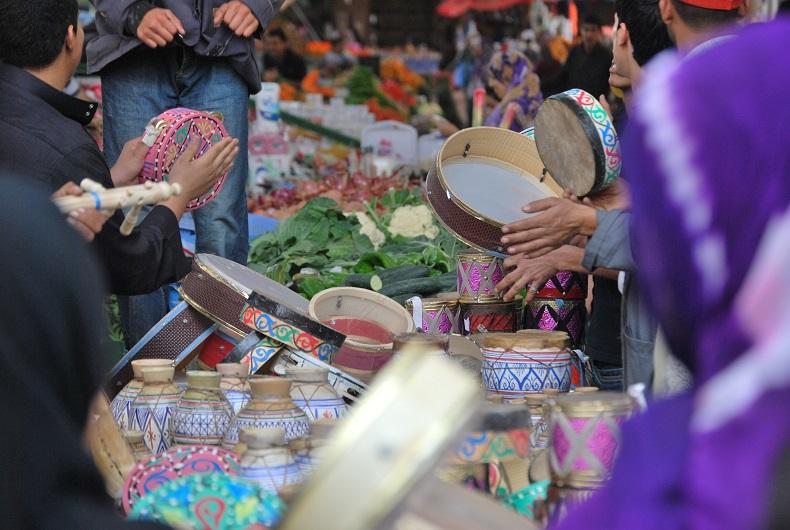 Ashura, il capodanno islamico - i tipici tamburi in un souk del Marocco