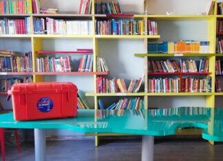 Lampedusa, libri per accogliere - progetto Books on board. Fonte andersen.it