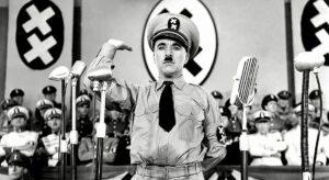 Fotogramma del film Il grande dittatore