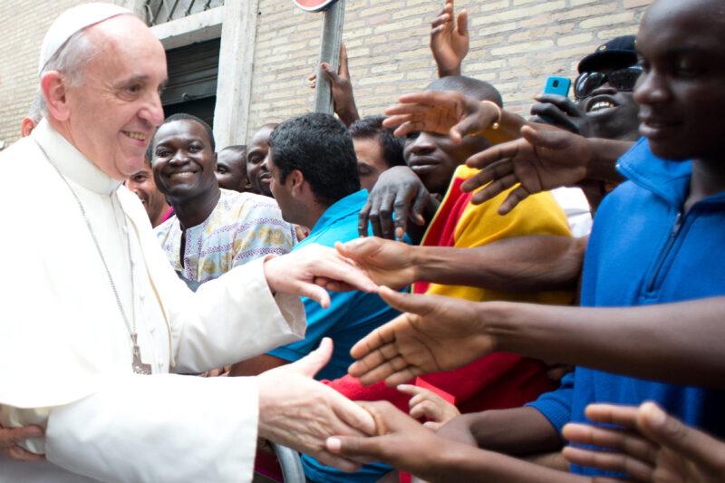 Rifugiati del Centro Astalli saranno vaccinati per volontà di Papa Francesco