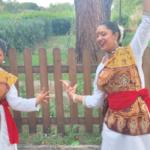 Due ragazze del coro